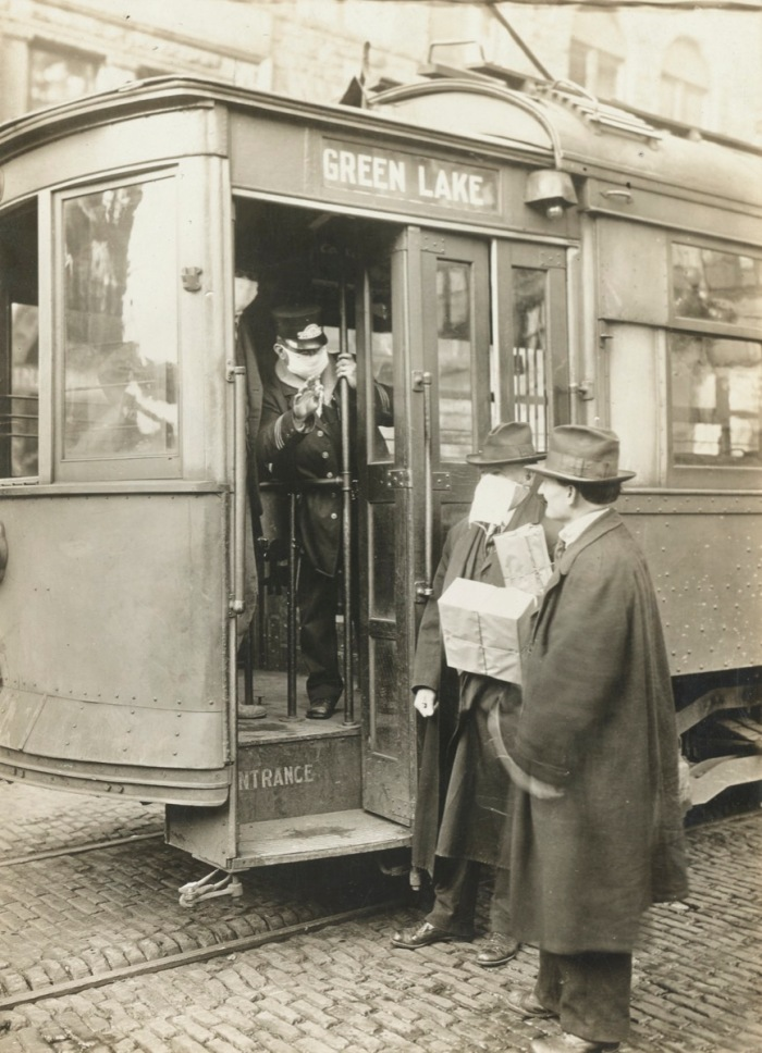 Masks Street Car 1918