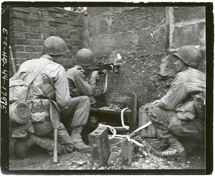 Machine Gun Aachen